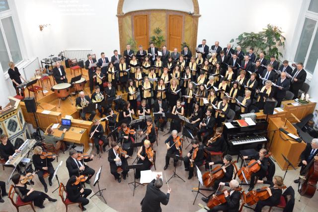 2016. 12. 04-én karácsonyi örömzenélés a Baptista Kórussal
